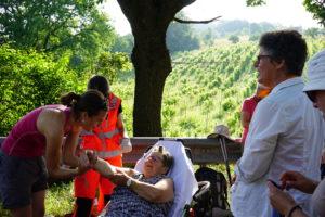 Pilgerin bricht sich den Arm. (Fotos: Vera Rütimann)