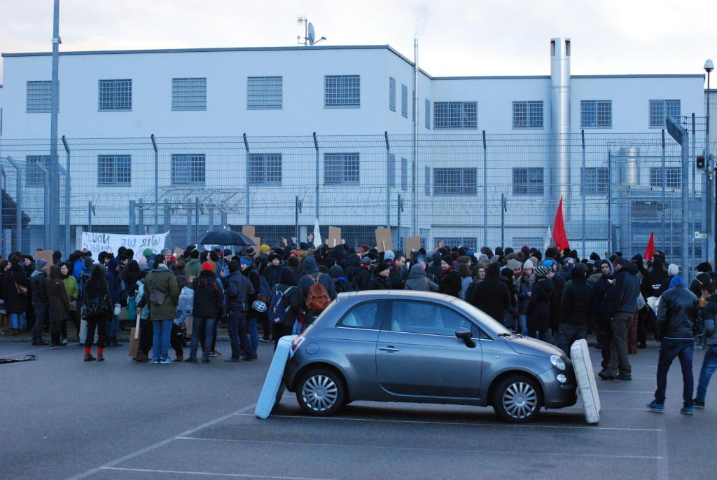 Kirchen-Räumung Demo Bässlergut 006