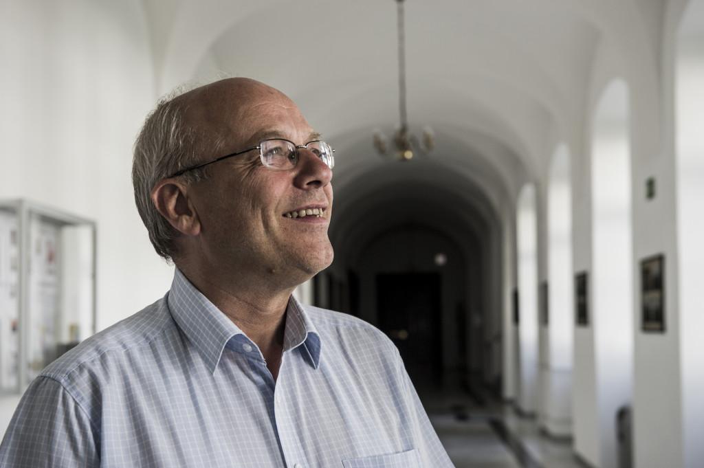 """""""Der Sprung aus der Sprachlosigkeit geht nicht ohne Schmerzen."""" Klaus Mertes SJ im Kolleg St. Blasien, das er leitet. (Foto: Vera Rüttimann)"""